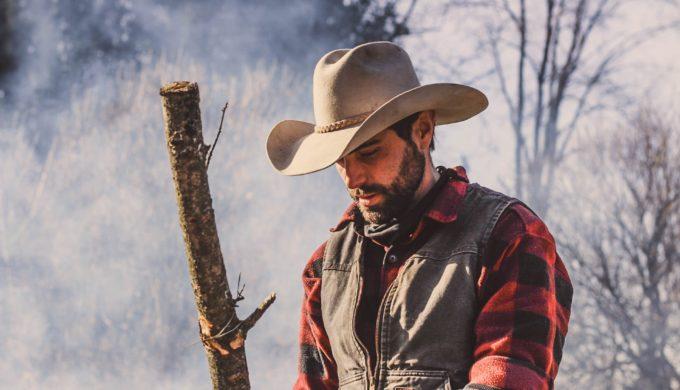 close-up-cowboy-cowboy-hat-821547-680x390