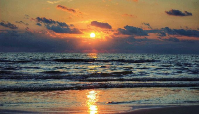 Texas Beaches See Curfews and Closures Due to COVID-19